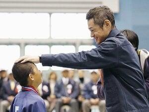 「人と比較せず自分の中で少し頑張る」イチローが野球少年に送った人生訓。
