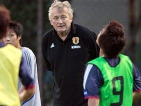 サッカー強豪国に学ぶ、監督の補佐役の大切さ。
