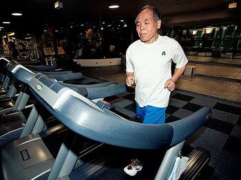 <マラソン特別講義> 鈴木宗男 「走り続ける不屈の政治家」<Number Web> photograph by Asami Enomoto