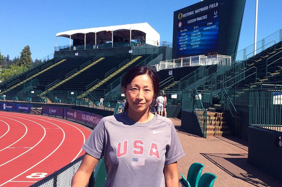 MLBで日本人初の女性トレーナーに。父は2000本安打、谷沢順子の挑戦。<Number Web> photograph by Ayako Oikawa
