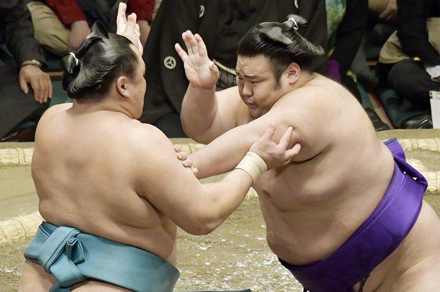 次の大関を昇進速度から予測する。歴史的な速度で駆け上がる力士も。<Number Web> photograph by Kyodo News