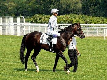 仏重賞制覇を呼び込んだ武豊、返し馬の極意。~「馬が歓声を確認したがっていた」とは?~<Number Web> photograph by Satoshi Hiramatsu