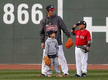 """上原の「息子と練習」、日本では無理?""""仕事と家族""""にまつわる日米格差。<Number Web> photograph by Getty Images"""