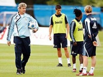 支配するも、君臨せず。レアル、ペジェグリーニ監督の指導術。<Number Web> photograph by Real Madrid via Getty Images