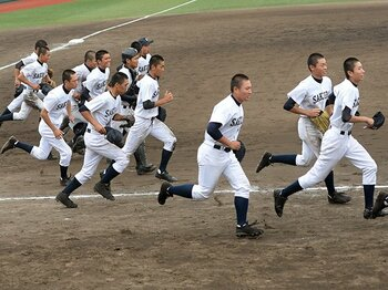 天理・智弁・郡山が44年ぶりに敗退。奈良・桜井高の「人間力」野球に注目。 <Number Web> photograph by NIKKAN SPORTS