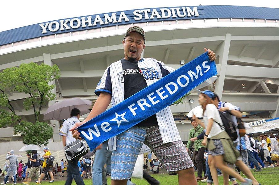 """横浜ファンが作ったデスマッチ団体。FREEDOMSの夢は""""聖地""""ハマスタ。<Number Web> photograph by Hidenobu Murase"""