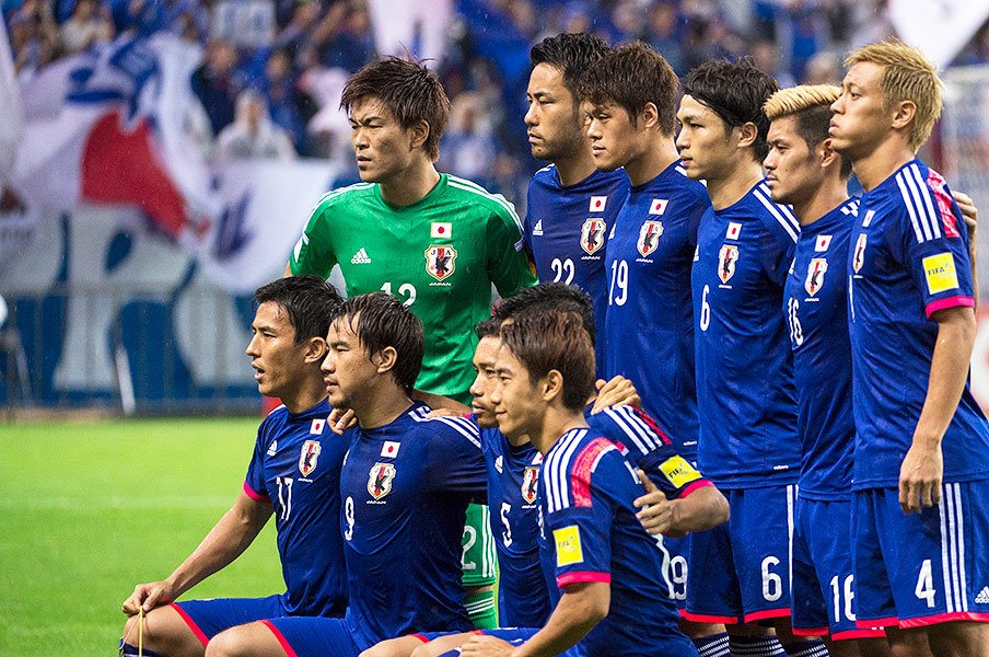 大勝の裏で遂に起こった「政権交代」。西川周作が発揮した集中と、叱責。<Number Web> photograph by Takuya Sugiyama