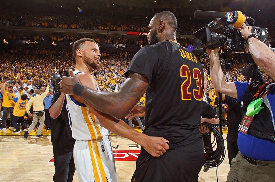 NBA流スーパーチームの作り方。オフの素早い移籍活動は選手主導!?<Number Web> photograph by Nathaniel S. Butler/NBAE via Getty Images