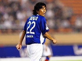 Jリーグから透けて見えた、中澤・闘莉王コンビの課題。