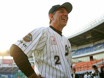 <外国人監督が語る> ニッポン野球の正体。 ~バレンタイン・ヒルマン・ブラウン・コリンズの証言~<Number Web> photograph by Koji Asakura
