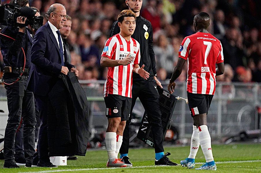 堂安律、PSVデビュー戦の手応えは?オランダ代表揃いで「感覚が合う!」。<Number Web> photograph by Getty Images