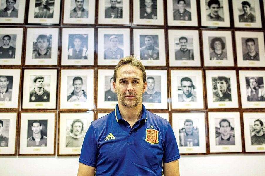 スペイン代表の黄金時代も今や遠く――。ロペテギ現監督が考える次世代構想。<Number Web> photograph by Sergio enrquez-Nistal/Marca/Iconsport