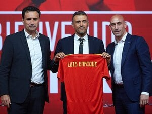 L・エンリケがスペイン新監督に。懸念は無愛想とバルサ、レアル。