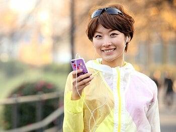 <マラソン> 『ランナーズ』の元表紙タレント西谷綾子さんに、音楽を聴きながら走る楽しみを聞いた。<Number Web> photograph by Sports Graphic Number