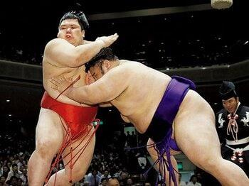 名古屋に新風を吹き込む、若き阿武咲と貴景勝。~176cm155kgと174cm169kgのライバル関係~<Number Web> photograph by KYODO