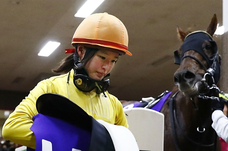 藤田菜七子に沸いたフェブラリーS。勝った武豊が「ぼくの初GIは6着」。<Number Web> photograph by Kyodo News