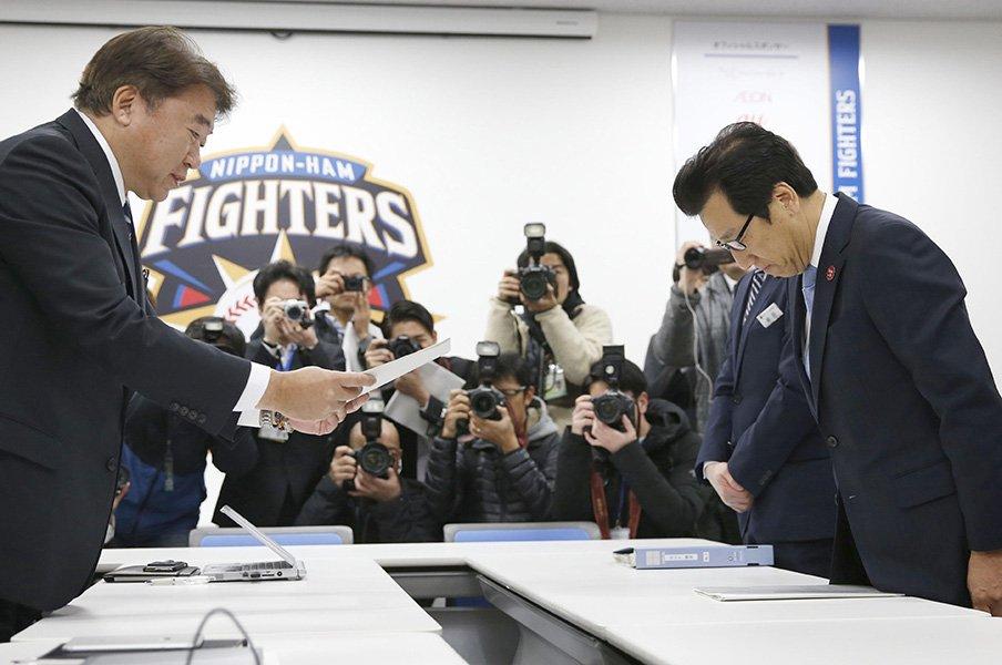 日本ハムの新スタジアム、運命の1日。札幌市と北広島市がくれた感動を力に!<Number Web> photograph by Kyodo News
