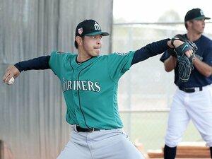 岩隈久志が手術を経てブルペン投球。イチローと共に戦う日はいつになる?