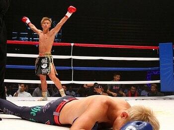 16歳の那須川天心、連続KOの衝撃。優勝して、気分はスーパーサイヤ人!<Number Web> photograph by Susumu Nagao
