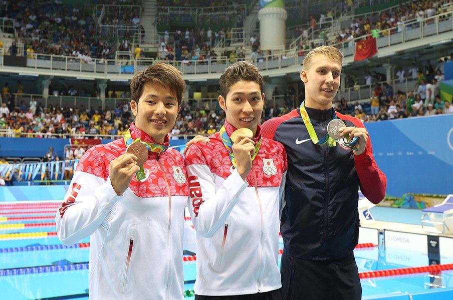 盟友・萩野の金メダルを称える潔さ。銅獲得、瀬戸大也もやはり大器だ。<Number Web> photograph by JMPA