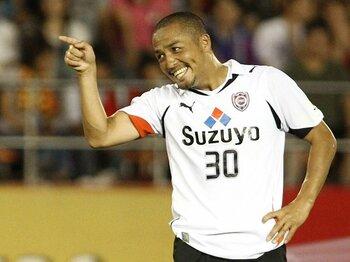 パラグアイ戦で代表復帰も!?小野伸二がJリーグで輝いている理由。<Number Web> photograph by Kenzaburo Matsuoka/AFLO