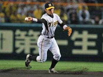 ゴールデングラブ賞に異議アリ。鳥谷敬の守備力に正当な評価を!<Number Web> photograph by Hideki Sugiyama