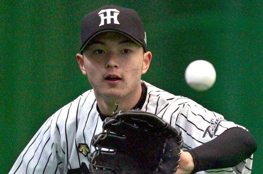 15歳で指名され、一軍は上がれず。辻本賢人「阪神に入ってよかった」<Number Web> photograph by Kyodo News