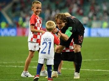 クロアチア、死闘制し20年ぶり4強!モドリッチ&ラキティッチこそ心臓。<Number Web> photograph by Getty Images
