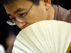 若き羽生さんが将棋じゃなくてトランプで笑顔!? 藤井くん達との激闘、井川慶ナゾ観戦の写真見たことある?