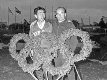 「日本サッカーの父」を偲んで――。クラマー氏と岡野最高顧問の絆。<Number Web> photograph by AFLO