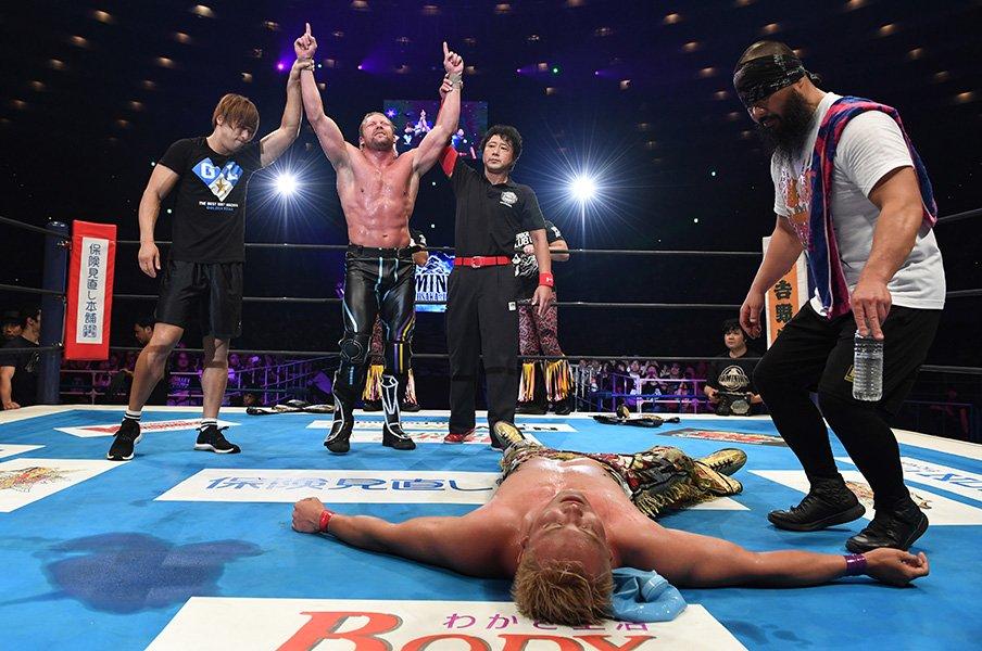 IWGP大阪城決戦は1時間越えの死闘!新王者ケニー・オメガ、10年間の執念。