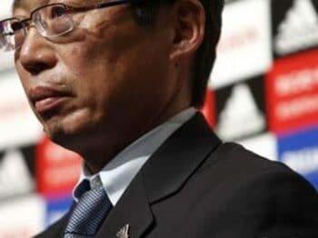 サッカー協会の人脈不足を憂う<Number Web> photograph by Tamon Matsuzono