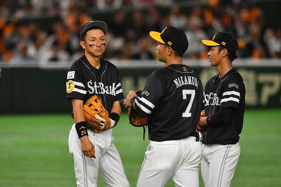 """""""練習しない""""ムネリンから後輩へ。「真剣に野球で遊ぼうよ、フフフ」<Number Web> photograph by Hideki Sugiyama"""