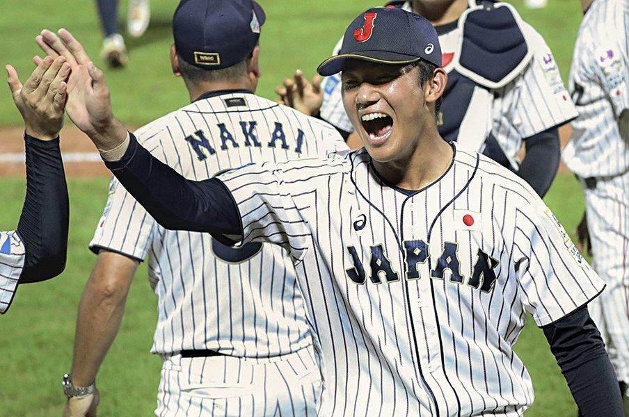 「甲子園とは違う緊張」も18三振。奥川恭伸は賞賛にも気を抜かない。<Number Web> photograph by Kyodo News