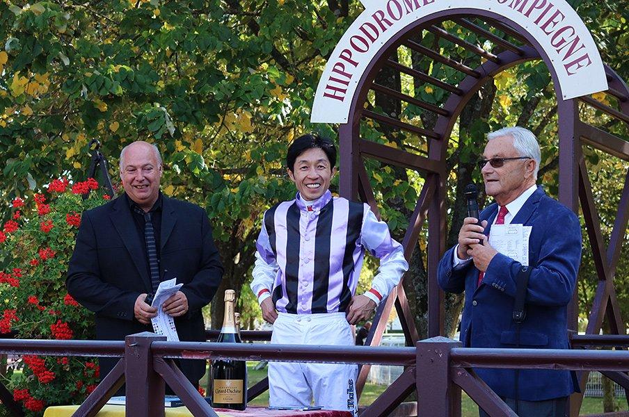 武豊騎手JRA通算4000勝の快挙は、凱旋門賞のフランスでも大きな話題。<Number Web> photograph by Satoshi Hiramatsu