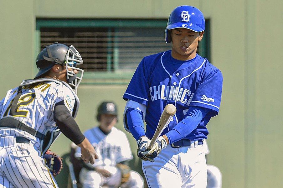 逸材は高卒1年目でも二軍で打つ?根尾、藤原、小園が超えるべき数字。<Number Web> photograph by Kyodo News