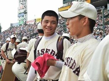 早実の試合を100倍楽しく見る方法。予想は裏切られる、サプライズを待て!<Number Web> photograph by Hideki Sugiyama