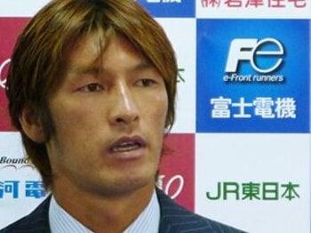 ジェフを愛した男・巻誠一郎。熱い想いを袖にする経営陣の愚。<Number Web> photograph by KYODO