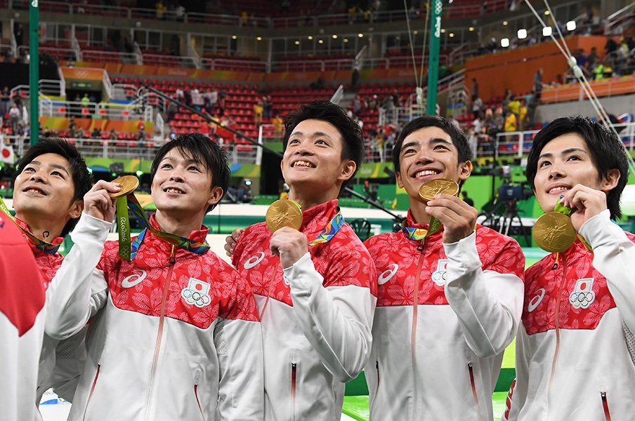 """内村「1人1人紹介してもいいですか?」体操団体金メダル、""""最強の5人""""。(矢内由美子)"""