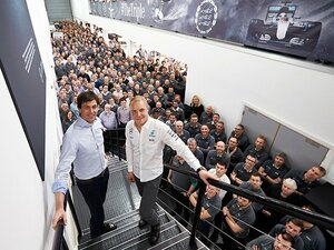F1メルセデスの新シートにボッタス。前王者ロズベルグと同じ道を歩むか。
