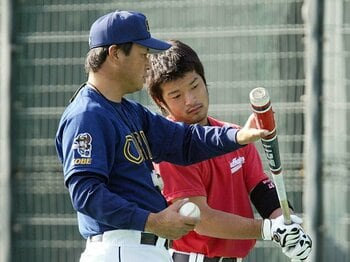 オリックスを去った名コーチを想う……。藤井康雄がソフトバンクを変える!?<Number Web> photograph by NIKKAN SPORTS