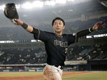 若返るオリックスの象徴、若月健矢。23歳の選手会長は怖い打者を目指す。<Number Web> photograph by Kyodo News