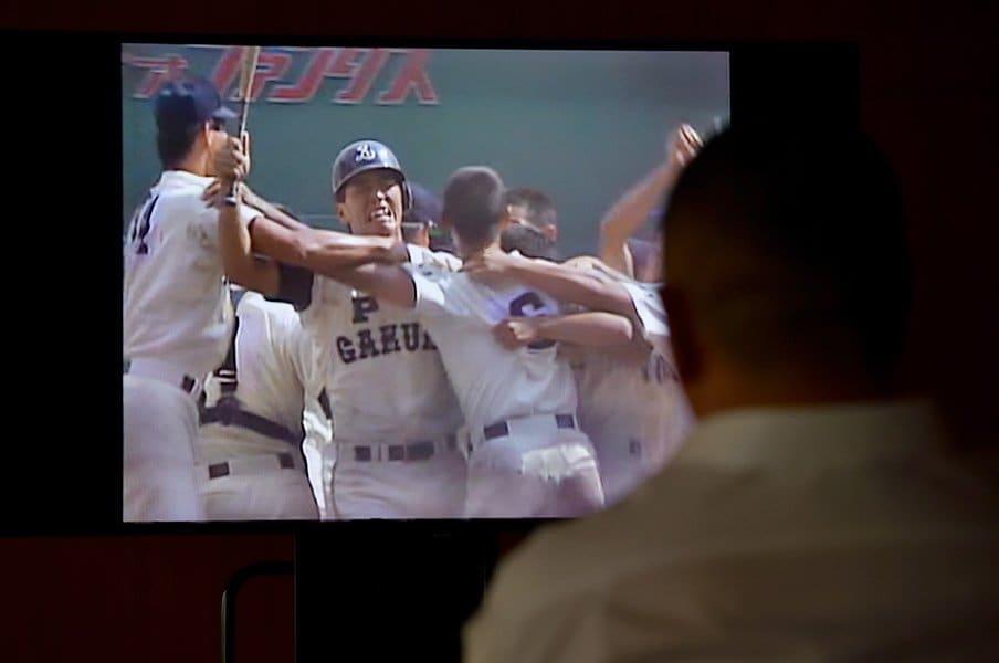 清原和博が1985年決勝を見る。「自分の一番、輝いている瞬間を……」<Number Web> photograph by Takashi Shimizu
