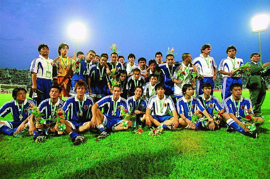 「黄金世代」と呼ばれて20年。日本サッカーに名を刻んだ若者たち。<Number Web> photograph by AFLO