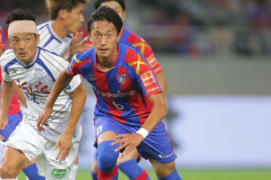不慣れなお立ち台と、堂々たるプレー。FC東京は室屋成の復帰を待っていた。<Number Web> photograph by J.LEAGUE PHOTOS
