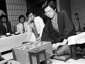 藤井聡太との一戦に臨む史上最年少名人、谷川浩司。28年前、十五世名人の「置き土産」とは。