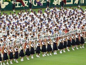 尼崎4時36分発の始発で甲子園へ。この球場が幸せな場所である理由。