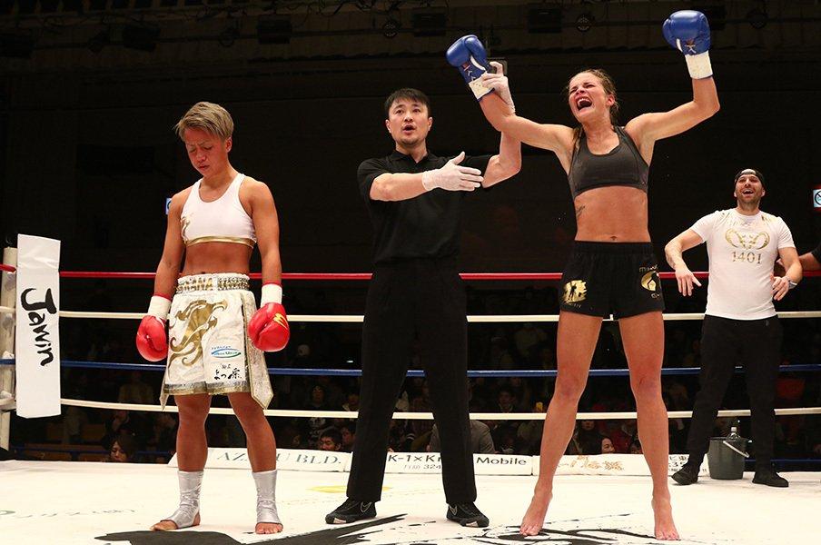 無敗の女王・KANAが負けた……。それでもKrushが目指す本物の価値。<Number Web> photograph by Takao Masaki