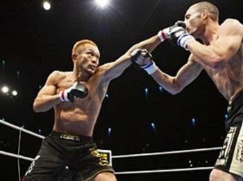 佐藤ルミナ、無名選手にKO勝ち。そこにあった2年半分の重み。<Number Web> photograph by Susumu Nagao