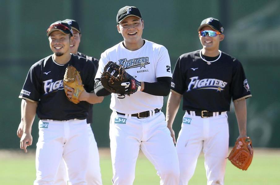 12球団唯一、海外でキャンプイン。日本ハムがアリゾナに行く理由とは。<Number Web> photograph by Kyodo News